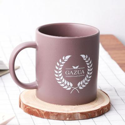 피너츠 틴배지와 머그컵