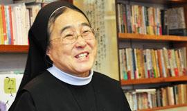 이해인 수녀, '사랑은 재촉해서 할 수 있는 것'
