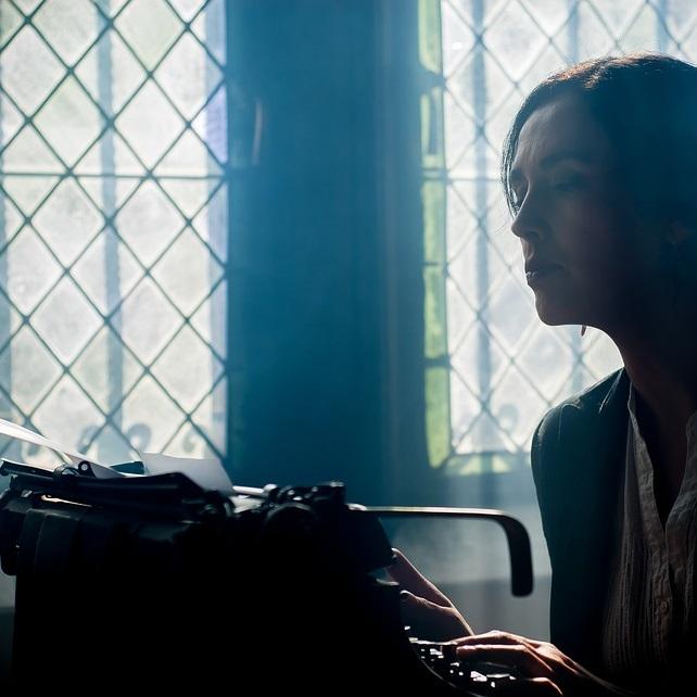 잊었던 작가의 꿈, 웹소설로 이루어볼까