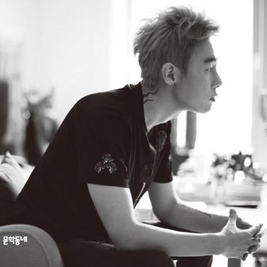 [베스트셀러 IN&OUT] 12월 1주ㅡ'글 쓰는 사람' 허지웅의 『나의 친애하는 적』 5위