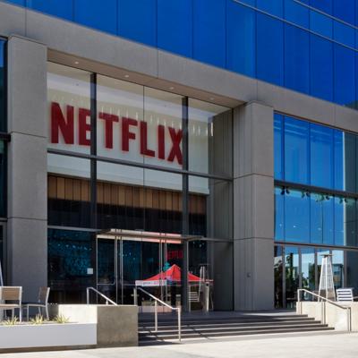 [플랫폼 전쟁]3. 한국기업이여, 넷플릭스와 플랫폼 제휴를 맺어라