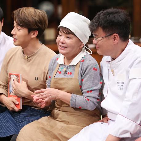 """""""나 자신을 대접하는 요리가 필요한 시대"""" 배우 김수미의『수미네 반찬』"""