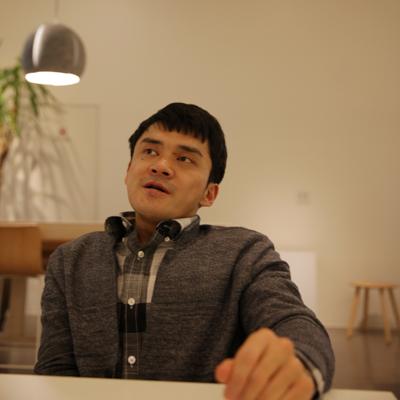 """『희망 대신 욕망』김원영 """"소수자들의 목소리가 우리 사회를 더 흥미롭고 매력적으로 만듭니다"""""""