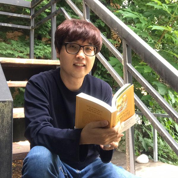 """『지식 편의점: 문학, 인간의 생애 편』이시한 """"책은 좋은 인생..."""