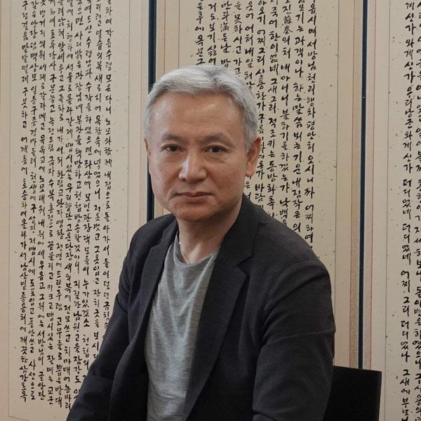 깊이와 넓이의 균형점 찾기, 창립 20주년을 맞은 휴머니스트 김학원 대표