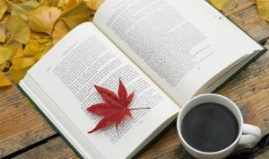 가을, 아메리카노와 함께 놓일 책은?