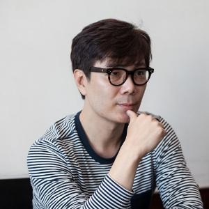 """『보다』김영하, """"책읽기는 인간의 존엄을 유지하는 방법"""""""