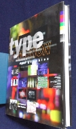 Type in Motion : Innovations in Digital Graphics / 사진의 제품   / 상현서림  / :☞ 서고위치:KZ 4 *  [구매하시면 품절로 표기됩니다]
