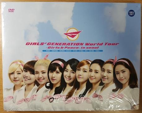 소녀시대 - 월드투어 Girls & Peace In Seoul (2disc+100p 스페셜 포토북)