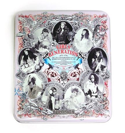 소녀시대 - 3집 The Boys [8P 북클릿 + 10종 엽서세트 + 양철케이스 사양][포토카드포함]