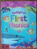 Spotlight on  First Phonics Set. 4 (Student Book + Storybook + E.CODE + APP) (표지 하단에 E.CODE , APP,MP3 표시 없습니다.)