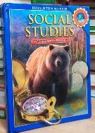 Houghton Mifflin Social Studies Pupil\'s Edition Grade 4 (Hardcover)   /381