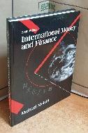 International Money and Finance, 6/E =차례부분 필기, 이후 한두페이지 밑줄외 깨끗/실사진입니다
