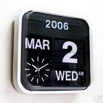RETRO MODERN CALENDAR CLOCK - BLACK