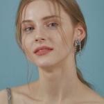 Becca Mini Crystal earring [BLUE]