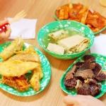 추억의 옛날 분식 집 포장마차 떡볶이 접시 그릇 면기
