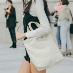 CANVAS POCKET TOTE CROSS BAG (IVORY)