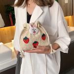 욜러 미니 귀여운 딸기 복조리 라탄 크로스백