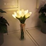 뉴배터리 화이트 튤립 부케 LED