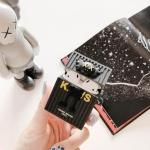 에어팟케이스 KAWS 입체 실리콘 철가루스티커 327블랙