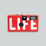 LIFE LOGO SINGLE-USE CAMERA_RED