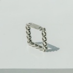 i_r27 - antique square chain ring