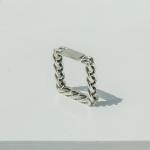 i_r27 - antique square chain ring