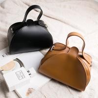 삼각 미니 토트백 가방