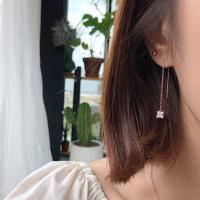 14k 심플 사각 큐빅 드롭 귀걸이