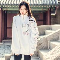 기모 벚꽃자수 반집업 맨투맨 White