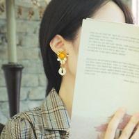 동백꽃 귀걸이