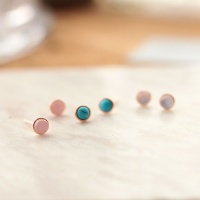 Silver gemstone earring