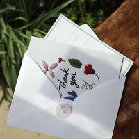 꽃과 풀이 흩날리는 보태니컬땡큐 자수카드 DIY KIT