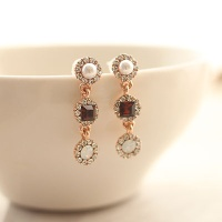 blanc earring