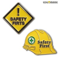 SAFETY FIRST 뺏지