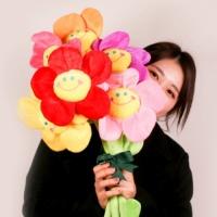 스마일꽃인형 장미 플라워 봉제 꽃 성년의날 졸업식 선물
