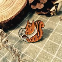 애뽈 알밤이 좋은 목도리 다람쥐 뱃지