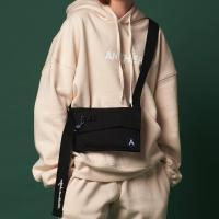 [어나더프레임X로아드로아] SIDE BODY CROSS BAG (BLACK) 미니백 크로스백 바디백 가방