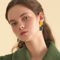 two color square earring_yellow
