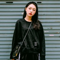 크롭탑 맨투맨   -YS106BK 블랙