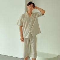 [쿠비카]엠보싱 잔줄 2컬러 카라넥 남성잠옷M232