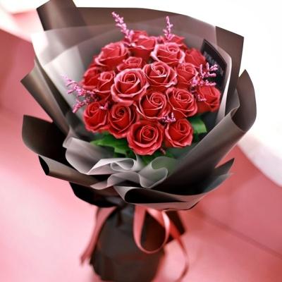 모던 블랙 장미 꽃다발 - 드라이플라워 로즈데이 선물
