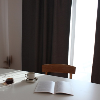 주조밍 내추럴톤 호텔 닮은 그레이 암막커튼