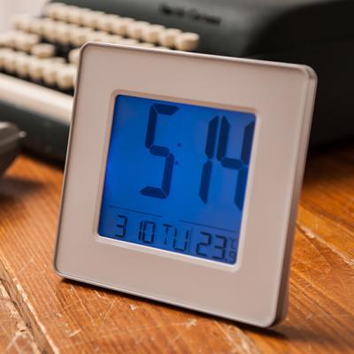 넥서스 IW161C04W 온도표시 듀얼알람 디지털시계