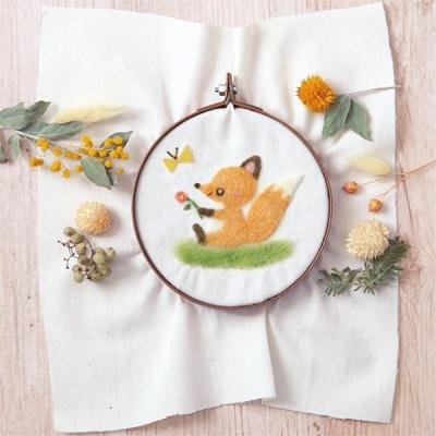 하마나카 아기여우와 나비 자수 양모펠트