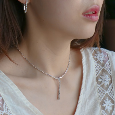[Uni.J i_n45 crystal line choker necklace