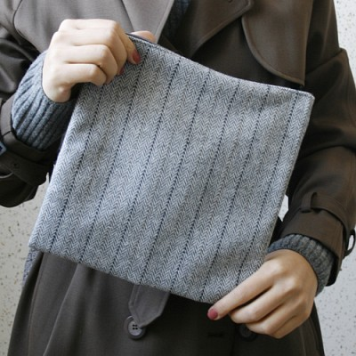 herringbone pouch