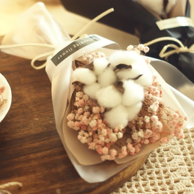 목화 안개 꽃다발