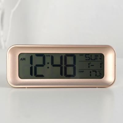 모던 심플 디지털 알람 탁상시계 (골드) 추카추카넷