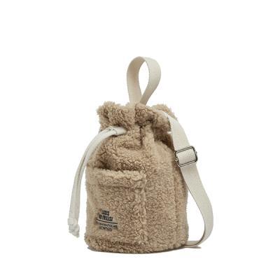 [로디스] 뽀글이 양털 버킷백 크로스백 베이지